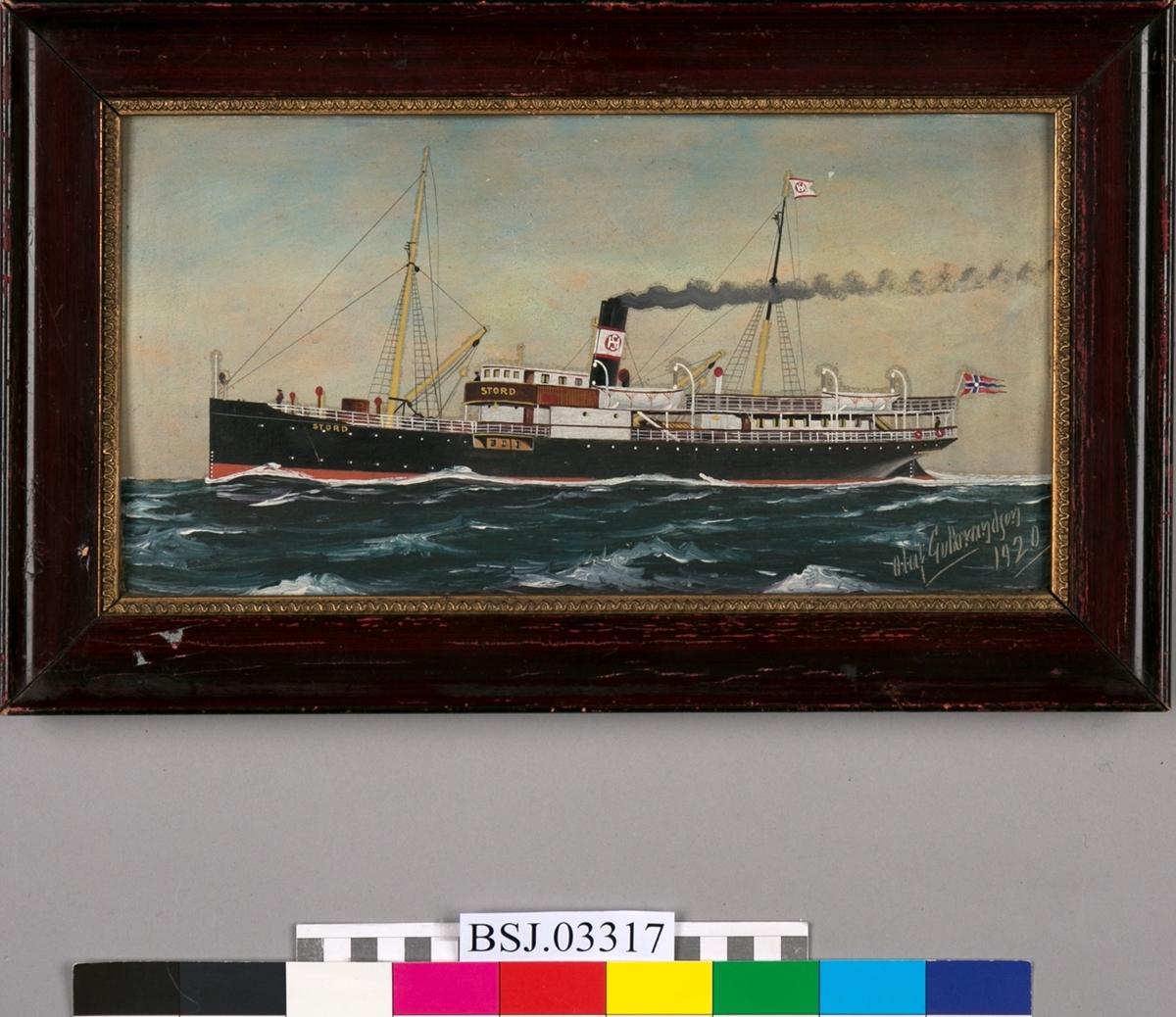 Skipsportrett av dampskipet STORD under fart i åpen sjø.