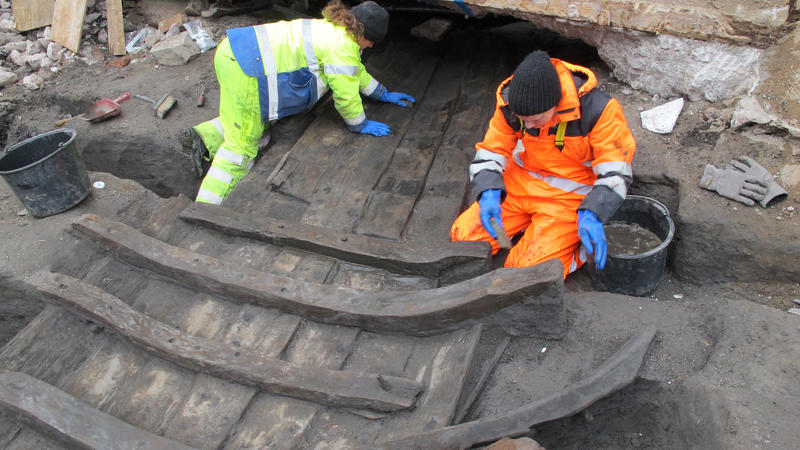 Arkeologer fra Norsk Maritimt Museum og Byantikvaren renser fram Vaterland 1.