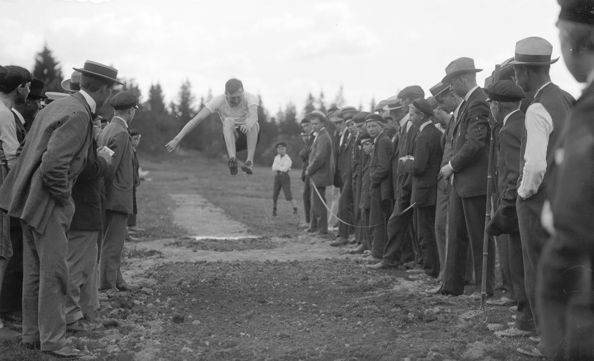 Tävling i längdhopp, Wästra Hästbo