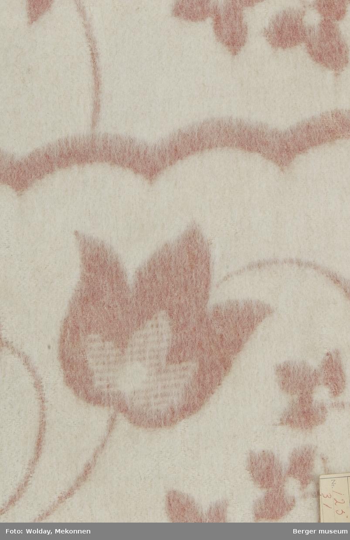 Ullteppe 3 prøver Tulipaner