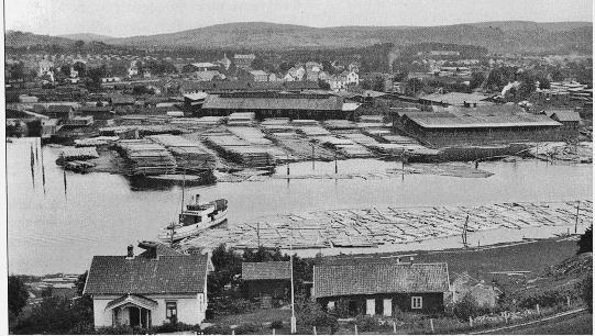 Lillestrøm, ca 1910-1920. Midt i bildet ser man takene på de fire Tærud-gårdene, oppført i 1880-årene. (Foto/Photo)