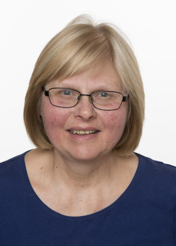 Museumskonsulent, tekstil, gjenstander, formidling ved Musea i Nord-Østerdalen Helga Reidun Bergebakken Nesset.
