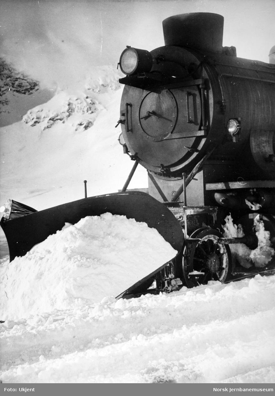 Front av damplokomotiv type 39a på Bergensbanen