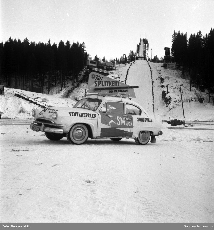 Skid-SM 1955. Bilder från hoppbacken i Kubikenborg tagna för Lennart Myhrgrens reklambyrå (LM Reklam).