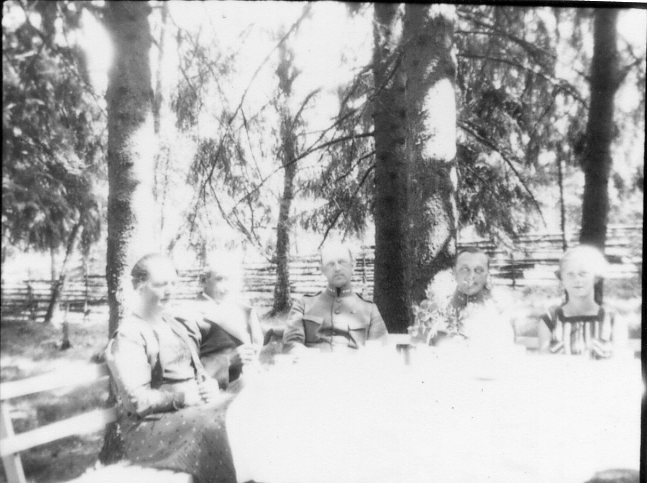 Kulballong m/1930 har landat i Liared.