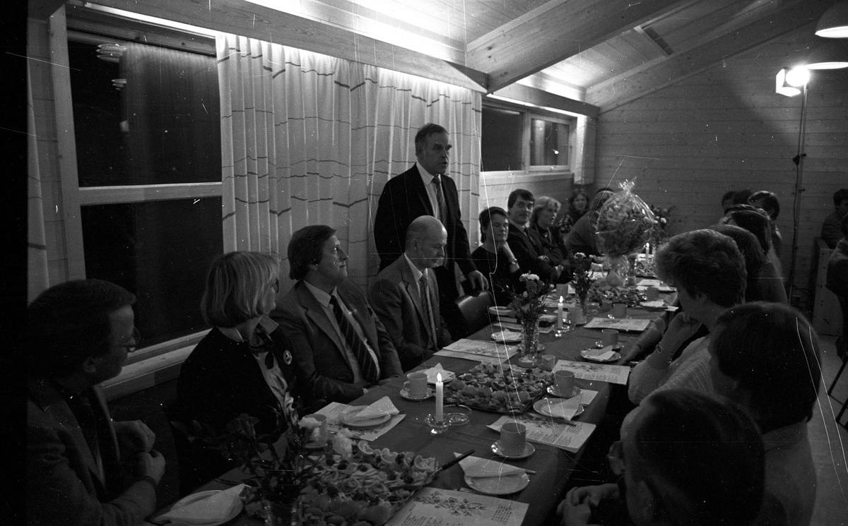 Offisiel åpning av Aamodt Grendehus i 1985