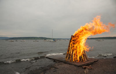 """""""Der brinner en eld..."""""""