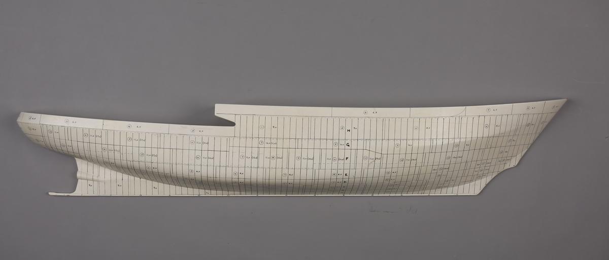Halvmodell/platemodell av bjerngningsbåt/slepebåt HERKULES.