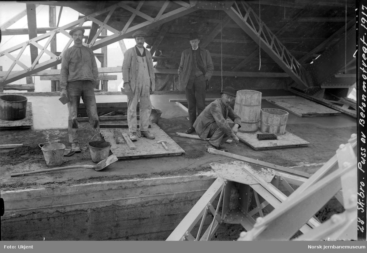 Skansen bru : puss av betongmotvekt