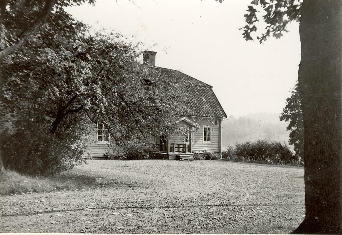 Flygeln mitt emot den nuvarande mangårdsbyggnaden på Grävsätters gård.