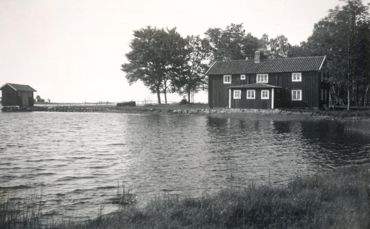 Ekenäs. Hälsobrunn och badort.