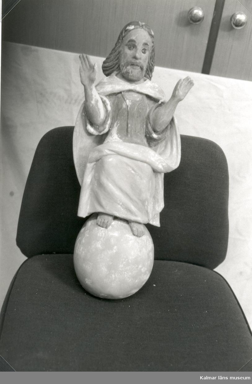 Ivar Nordén september 1995 Konservering av inventarier Uppförande, hela kyrkan:1300-1757 Tillhör Linköpings stift.