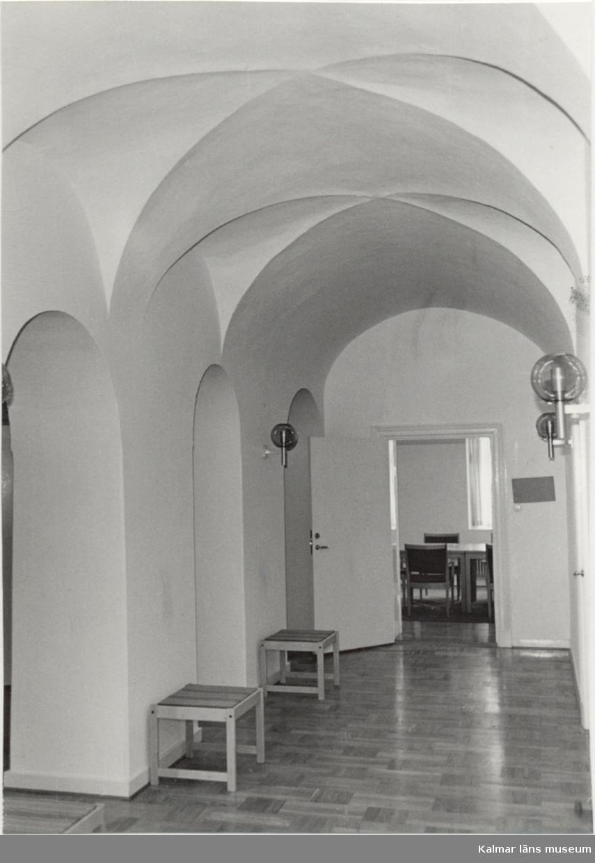 Landshövdingen 8 - 1660-talshusets bottenvåning med bevarande valv.