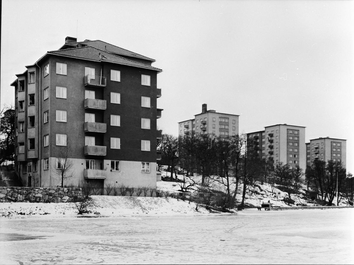 Byggherre: Byggnadsaktiebolaget Contractor, Stockholm. Vy över 1200 lägenheter som Contractor byggde för HSB. Arkitekt SAR Sven Wallander.