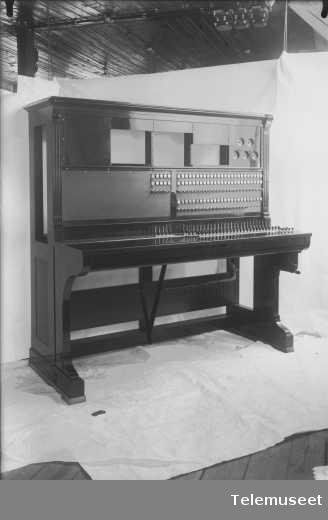 Telefonsentral, langlinjebord, front, Skien.1.7.13. Elektrisk Bureau.