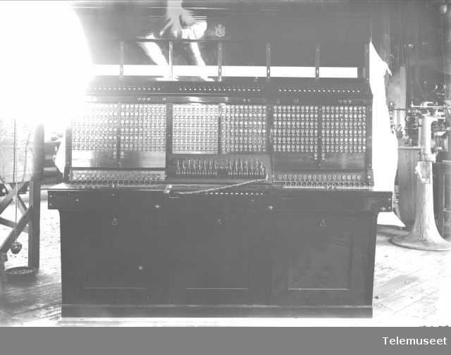 Telefonsentral, magneto snorveksler, Elverum. 5.9.13 Elektrisk Bureau.