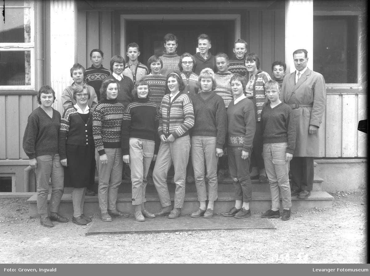Skolebilde fra Reithaug skole, Åsen.