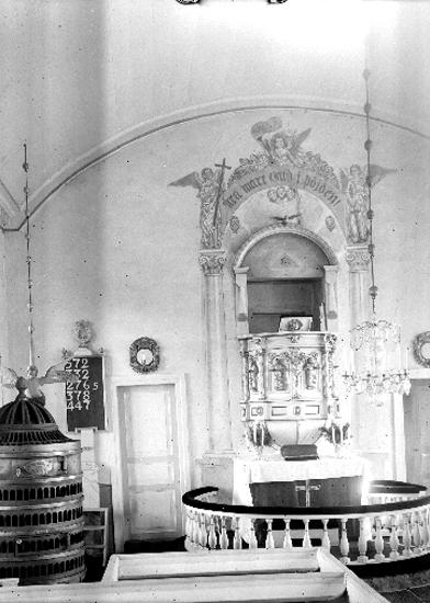 Bildtext: Utvängstorps socken. Vartofta härad. Västergötland. Kyrkan, interiör mot öster.