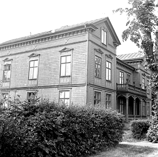 Skara.Kvarteret BrageGunnar Wennerbergsgatan 5. Hantverksföreningens hus, sydöstra hörnet.