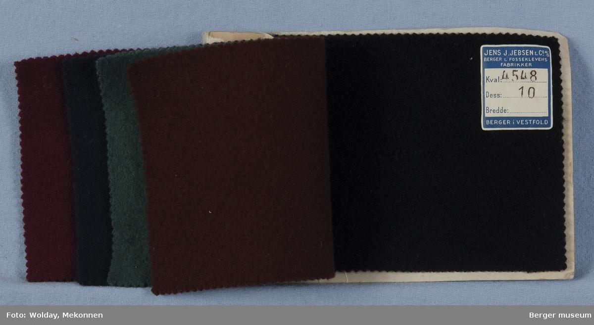 Prøvebok med 5 prøver. Kval. 4548 Drakt/kåpe Stykkfarget