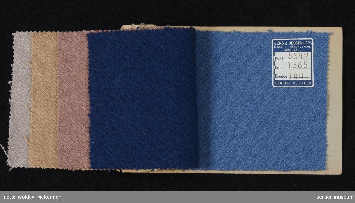Prøvehefte med 5 prøver Kåpe/drakt, bekledning Stykkfarget Kvalitet 5842