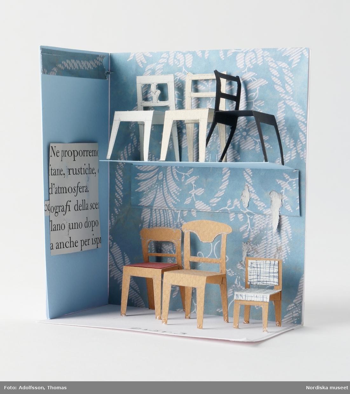 Utställningsmodeller, 10 st, tillverkade av kartong, kapaplattor och papper, ihopfogade med lim och tejp. Figurer av plast.  Modeller, förstudier av befintliga kulturhistoriska rumsmiljöer och nya montrar (skala 1:50): 1) Hannässtugan  2) Ulvsundasängkammaren (travé 4), monter (travé 5), del av rekonstruerat hus från Högbergsgatan (travé 6), monter (travé 7) 3) Södra tvärgången: väggparti samt sex montrar  Modeller, montrar med möbler och större föremål (skala 1:20?): 4) Renässans och barock 1600-1720 (travé 2, 3) 5) Senbarock och rokoko 1720-1770 (travé 5) 6) Gustavianskt och sengustavianskt 1770-1810 (travé 7) Empire/Karl Johan 1810-1850 (södra tvärgången): 7) Tvär 2 8) Tvär 3 9) Tvär 4 10) Tvär 5  /Anna Womack 2015-01-05