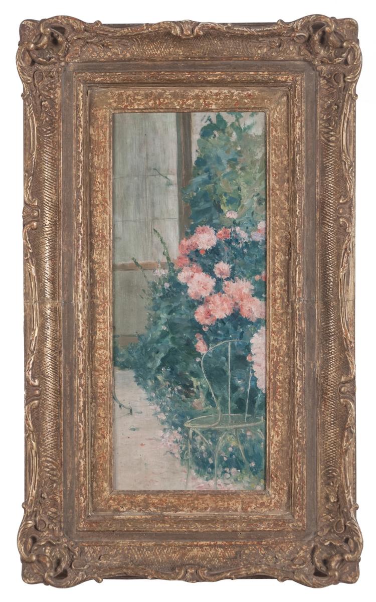 Oljemålning på träpannå, med motiv från den franska byn Grez. Trädgårdsmotiv med pioner, stol och i fondenvägg med fönster. Kraftig förgylld ram.