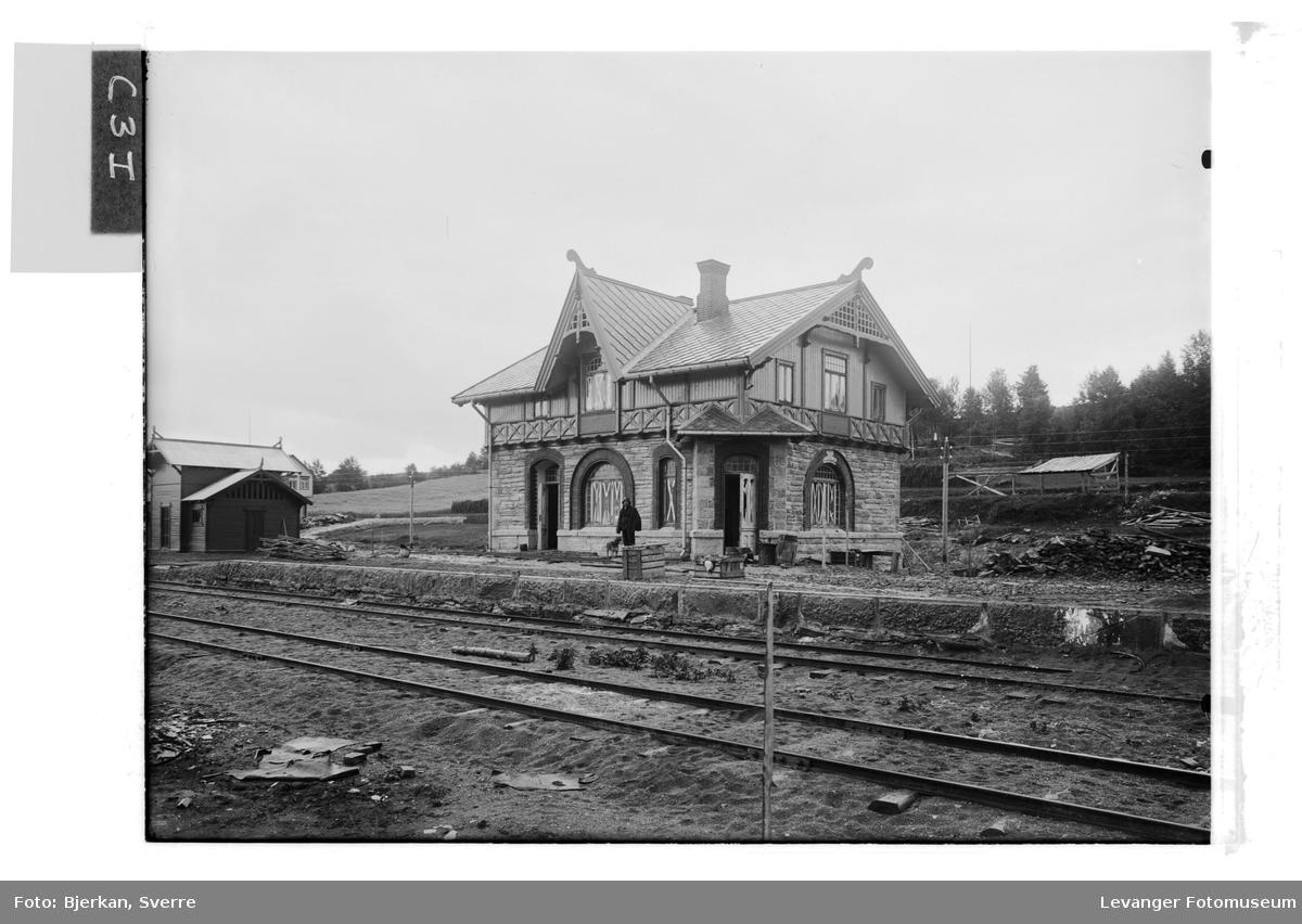 Ronglan jernbanestasjon under bygging, snart ferdigstilt,