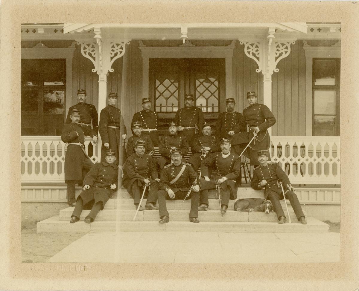 Grupporträtt av officerare vid Norra skånska infanteriregementet I 6.