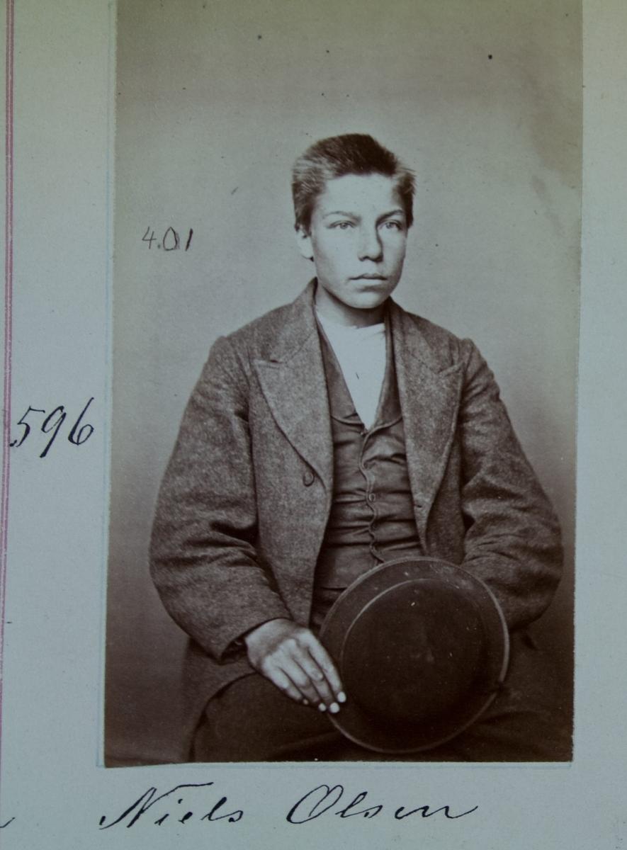 Fangeportrett, Niels Olsen