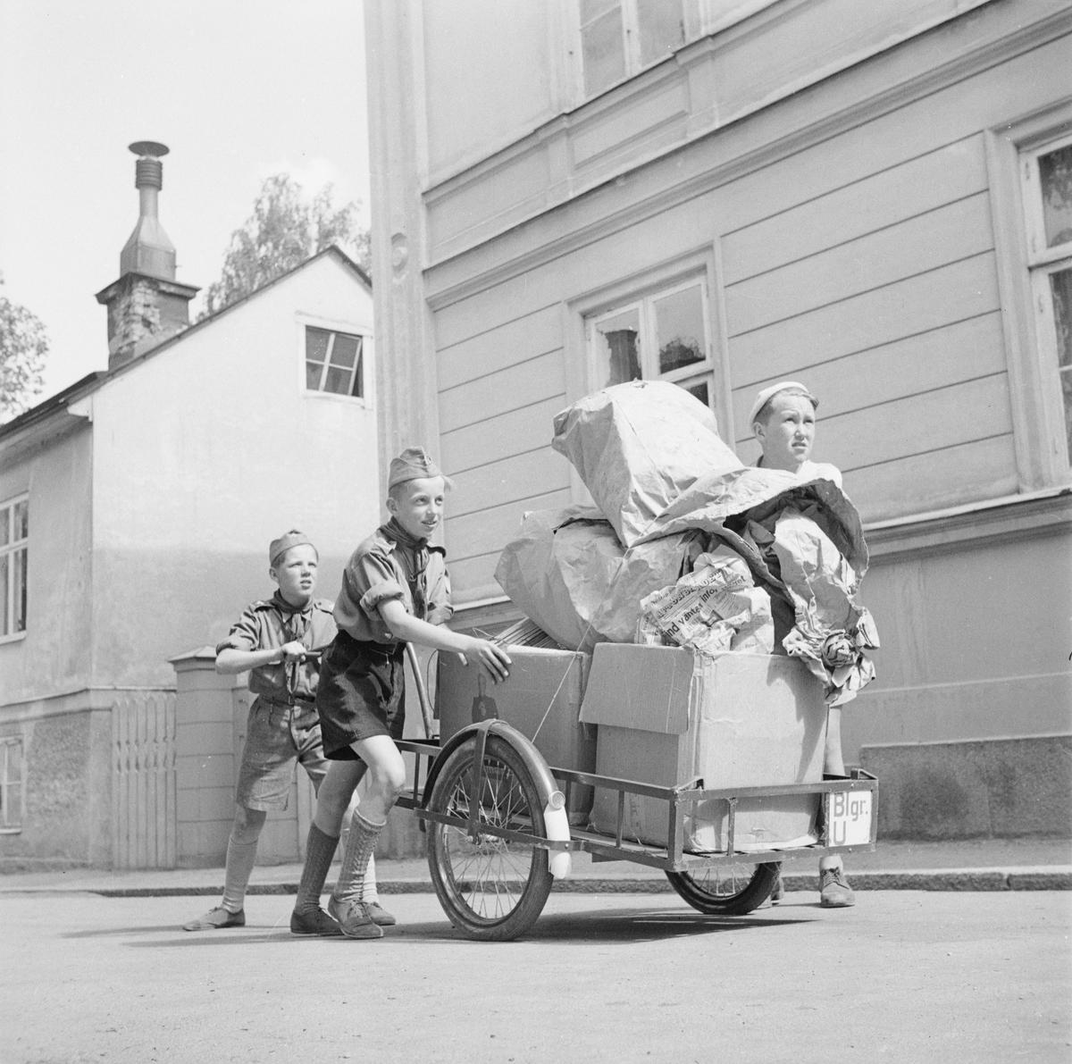 Pappersinsamling, Uppsala, maj 1947