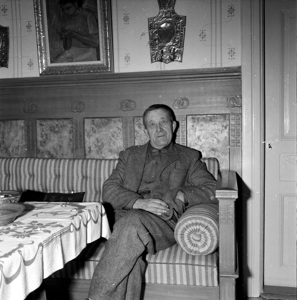 Edsbyn, Nils Olanders, I smedja och herrstuga, December 1956