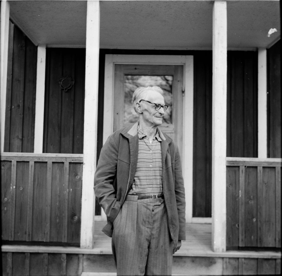 Rickebo. Gösens Gös-Johan Persson vid Nilsens i Gällsjön. 22/5-1966