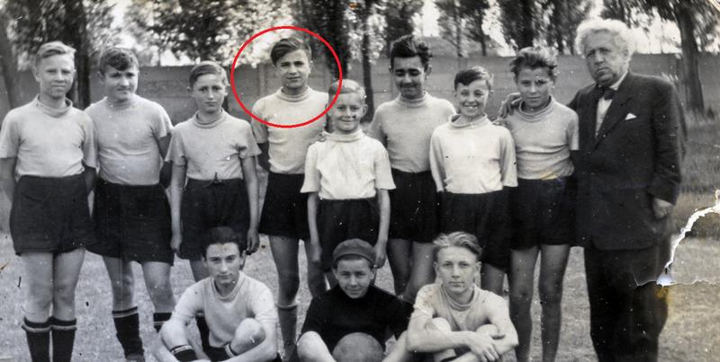 Istvan og fotballaget han spilte på i 1951. (Foto/Photo)