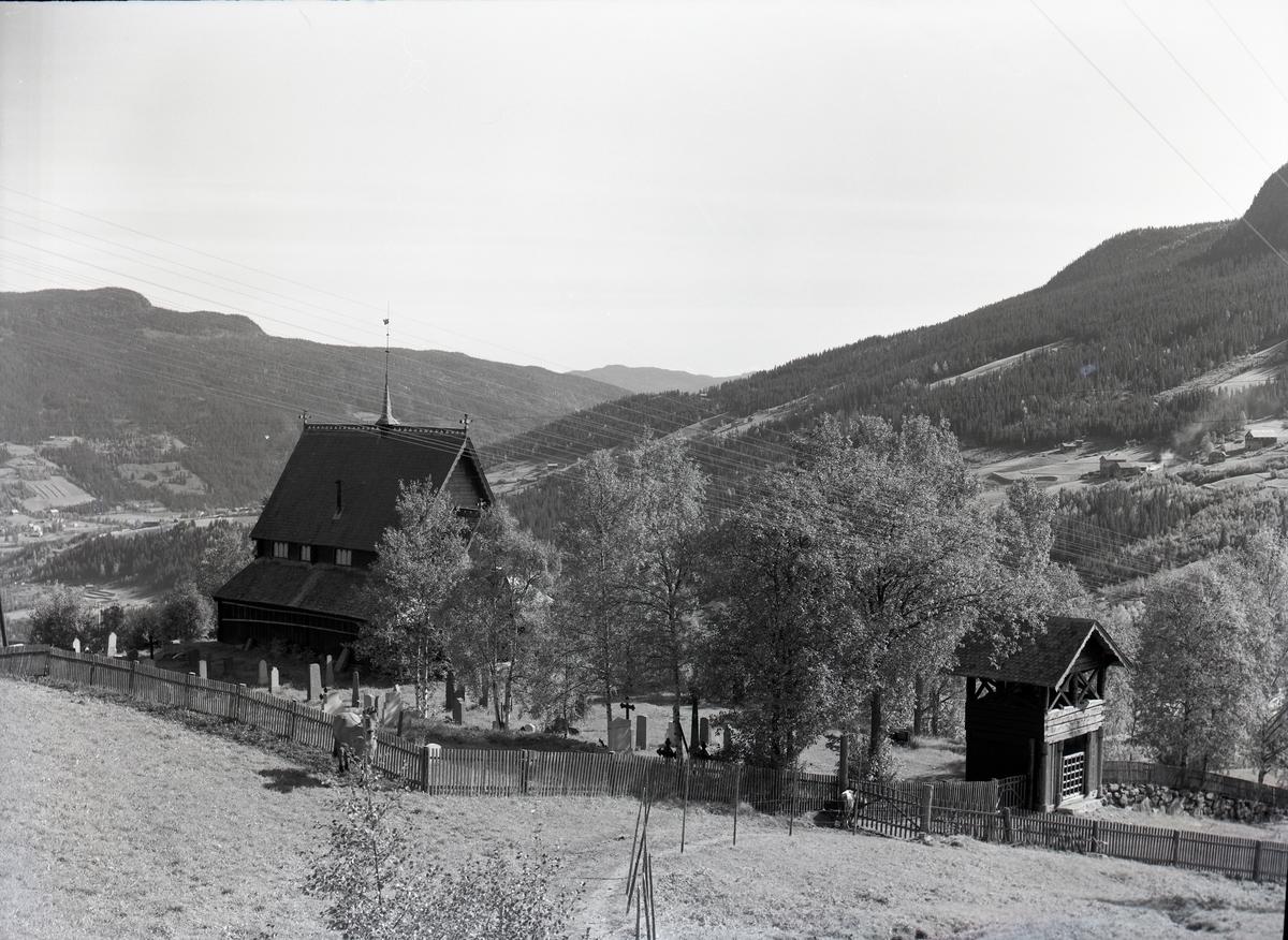 Reinli Stavkirke fra ulike vinkler.