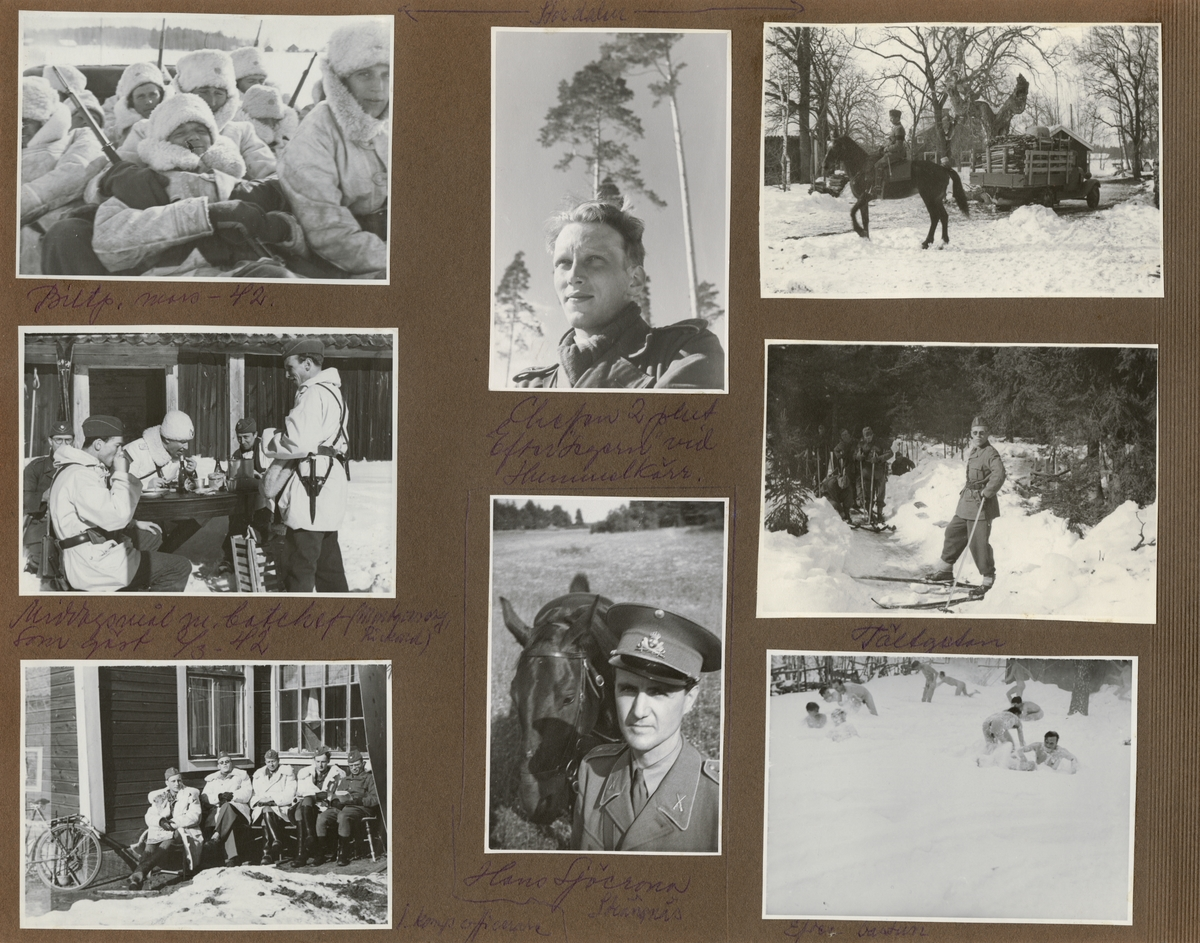 Officerare från Södermanlands regemente sittande vid ett hus.