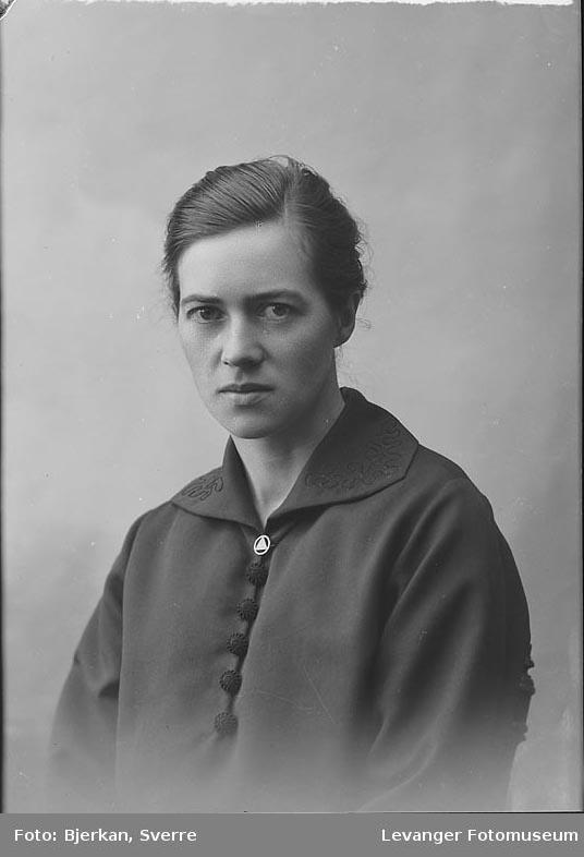 Portrett Dagny Høylo.