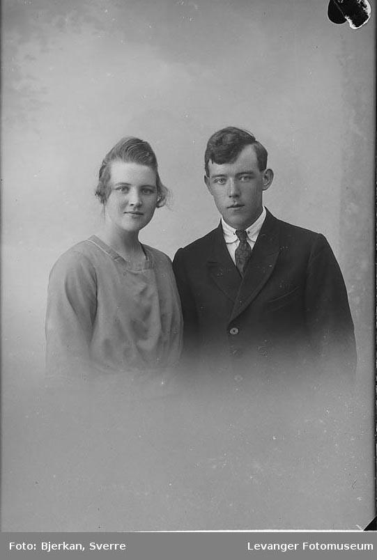Portrett av Arnold Torstensen med ukjent kvinne.