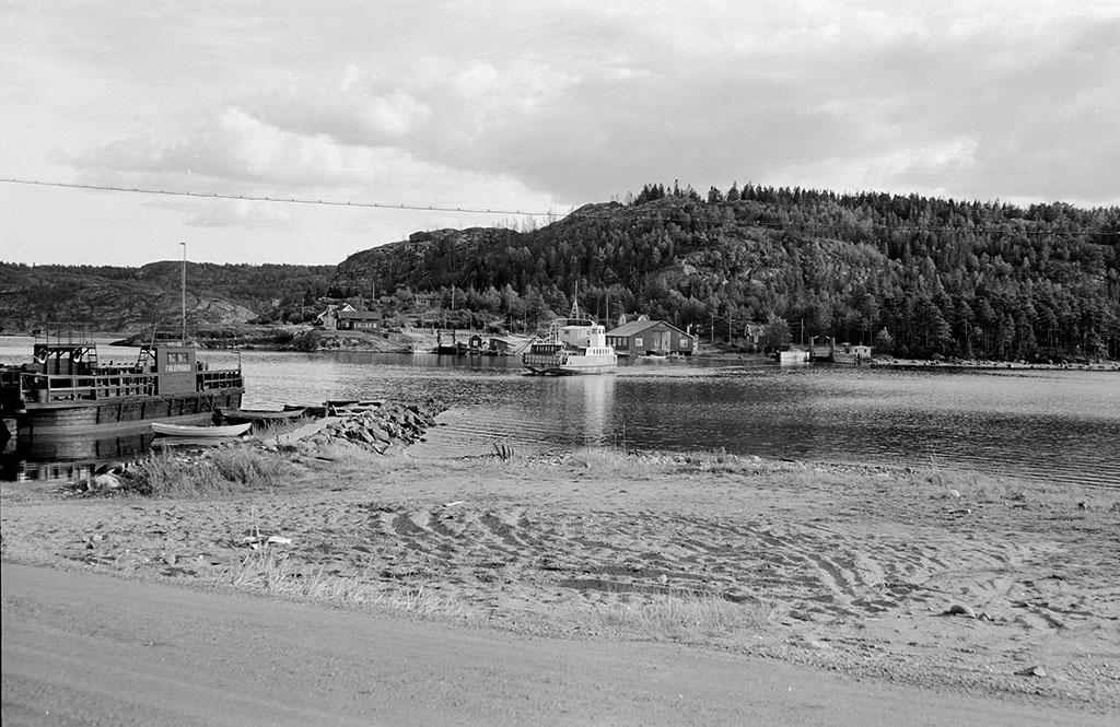 Färjan över Nötesund. Från Sundsandvik till Vindön, Orust på andra sidan.