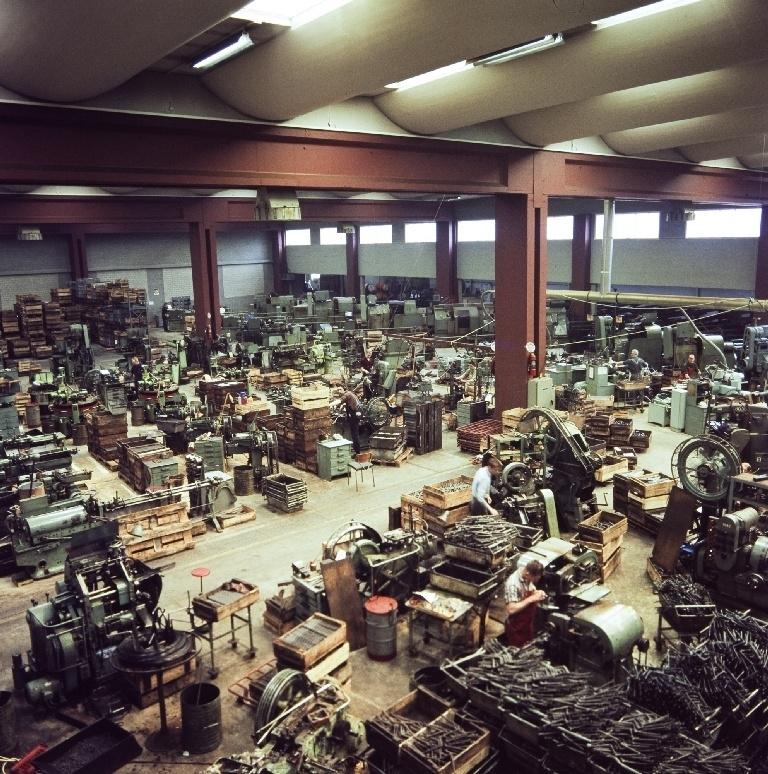 """Produksjonshallen med automater for deleproduksjonen i Automat-hallen i bygningen """"Nr. 11"""" til sykkelfabrikken til Jonas Øglænd AS på Sandnes."""