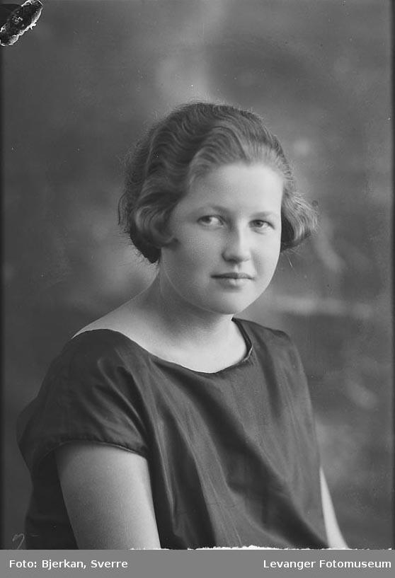 Portrett av Åse Bjørken