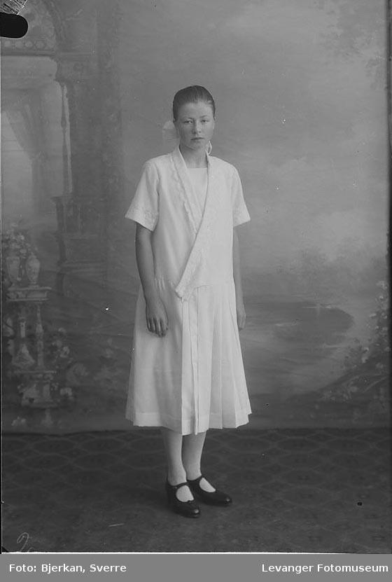 Portrett av Olga Svisdal
