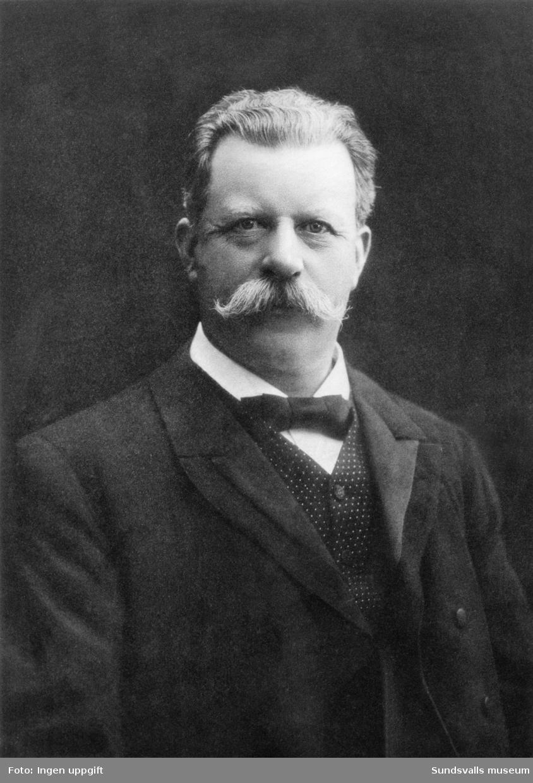 Porträtt på Gustaf Oscar Knaust. Son till Gustaf Ferdinand och Sophie Knaust. Bror till Adolf Fredrik Knaust. Gustaf Oscar grundade firman och diversehandeln Knaust & Larsson.