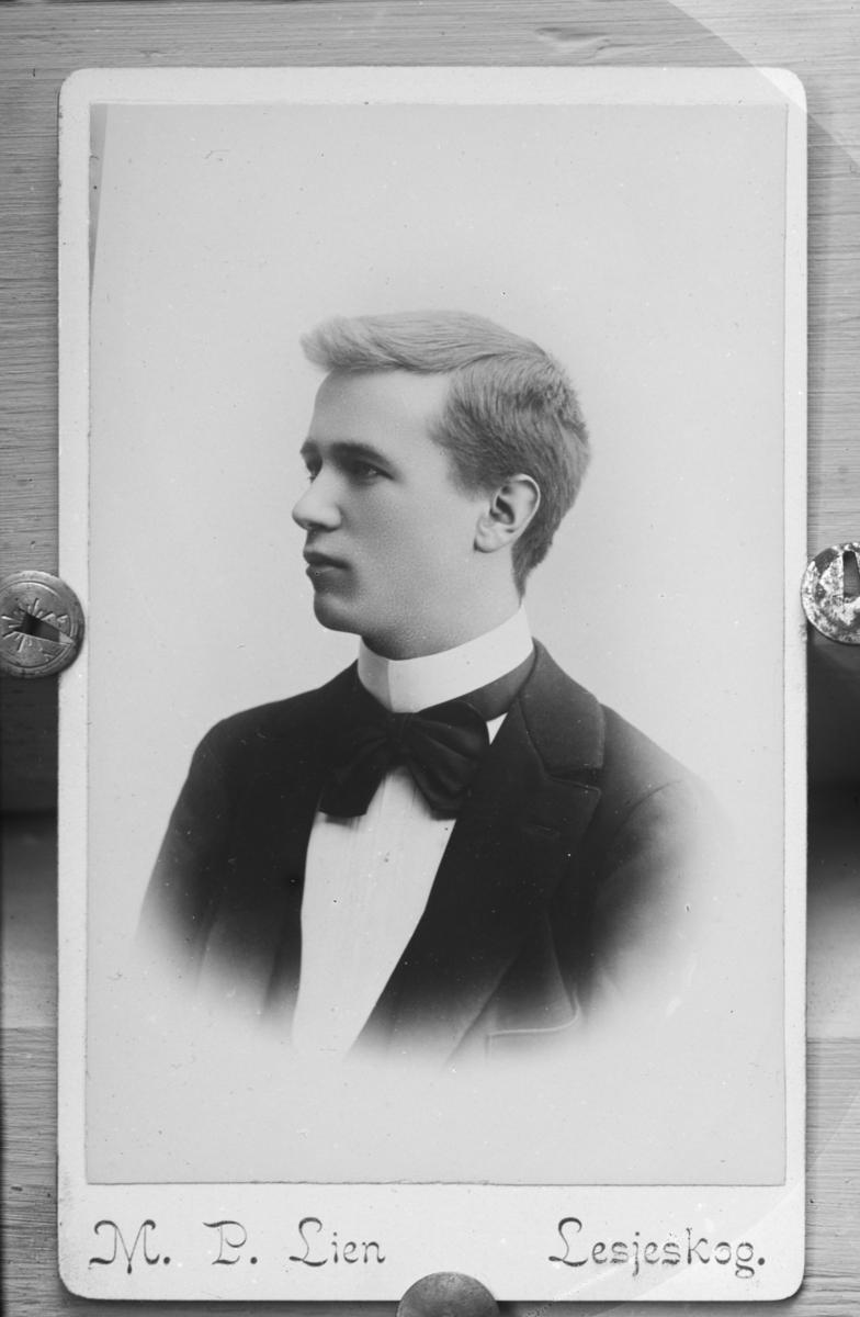 Portrett av Ivar Sigurdstad Blekastad