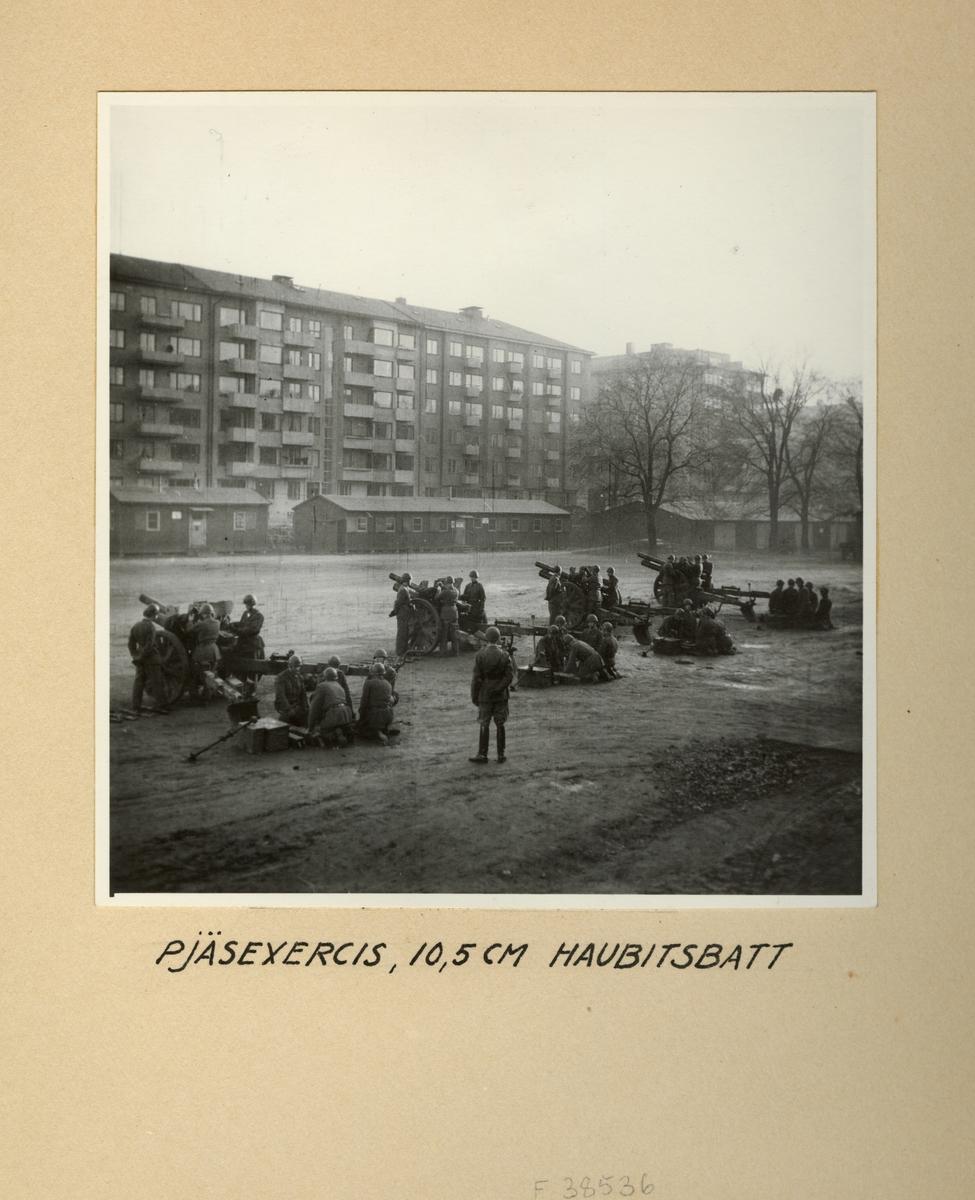 Pjäsexercis med 10,5 cm haubitsbatteri, Svea artilleriregemente A 1, våren 1947.