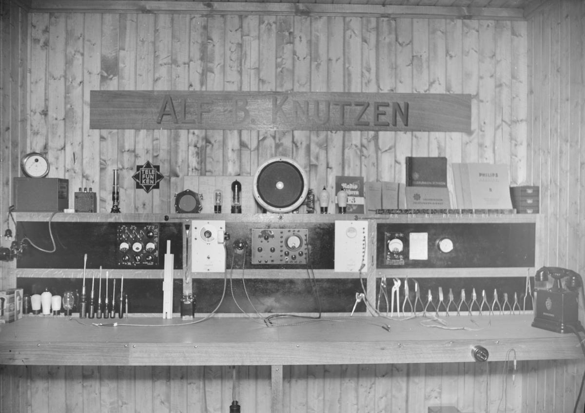 Alf B. Knudsen Radio- og telefonforretning.
