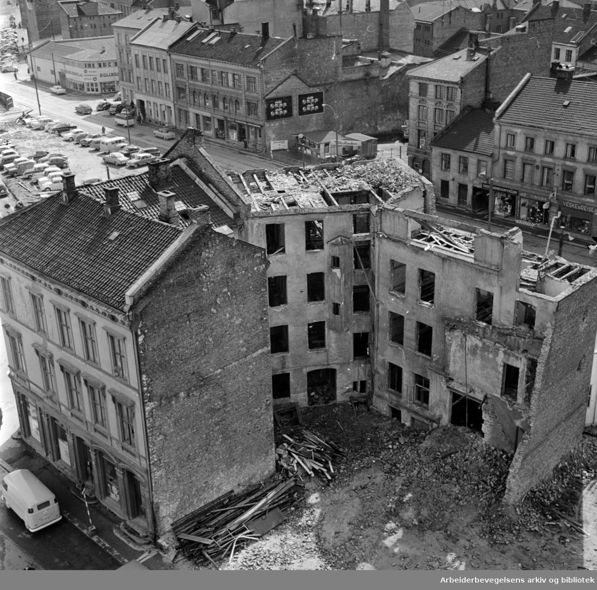 Vaterland. Sanering av gamle gårder. Mai 1962