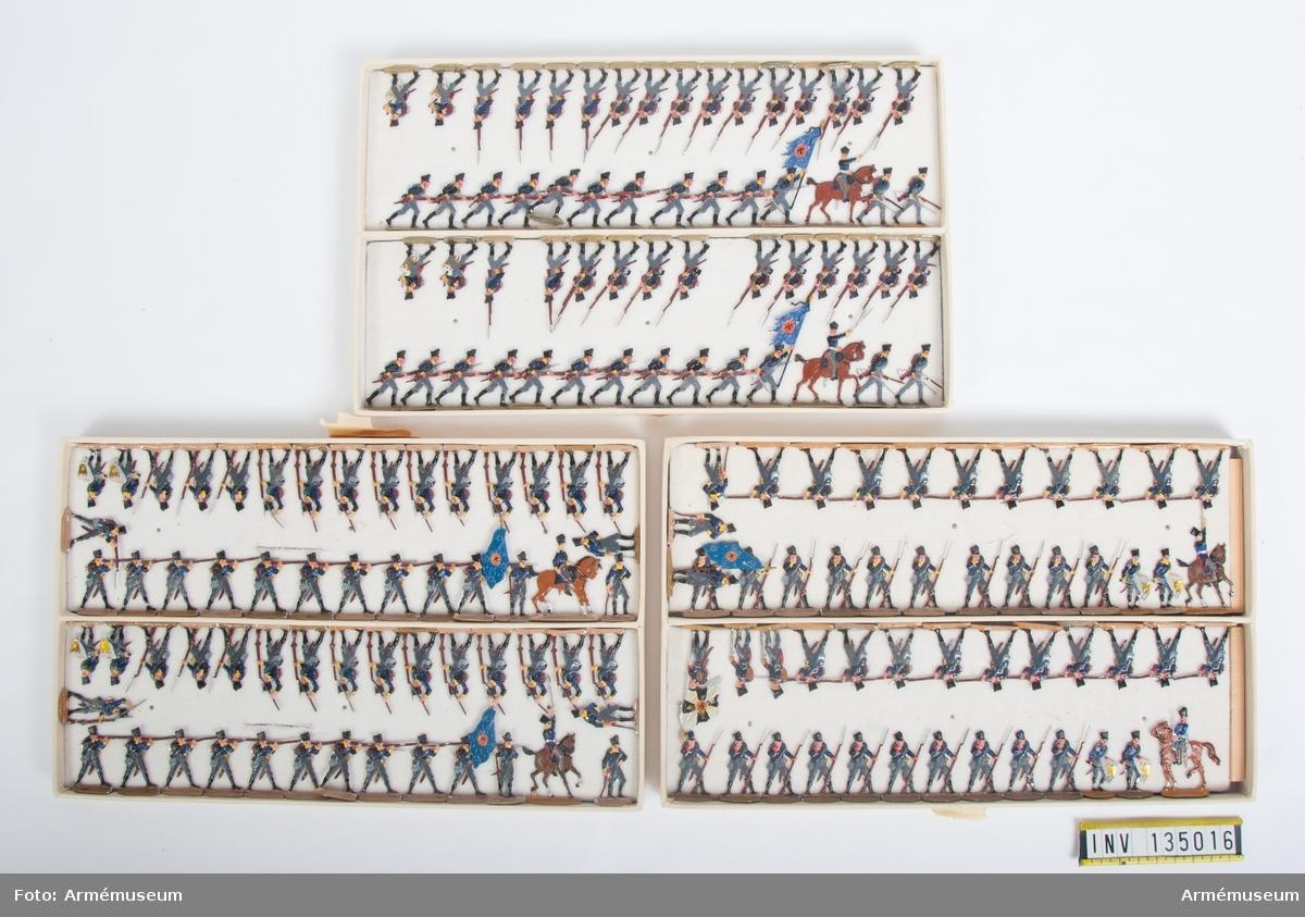 Infanteri från Preussen från Napoleonkrigen. Tre lådor med figurer. Fabriksmålade.