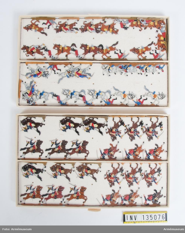 Fallande och stupade kavallerister från Frankrike från Fransk-tyska kriget. Två lådor med figurer. Fabriksmålade.