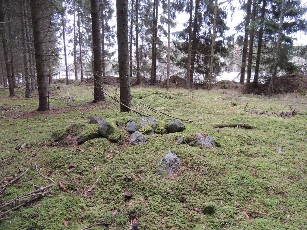 Arkeologisk utredning, Markim 140:ny, spisröse i husgrund, Ybelholm, Markims socken, Uppland 2017